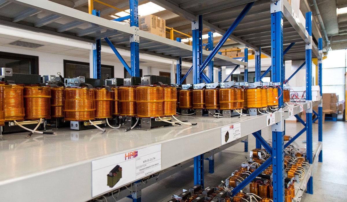 stoccaggio trasformatori convertori statici per lampade a led UV